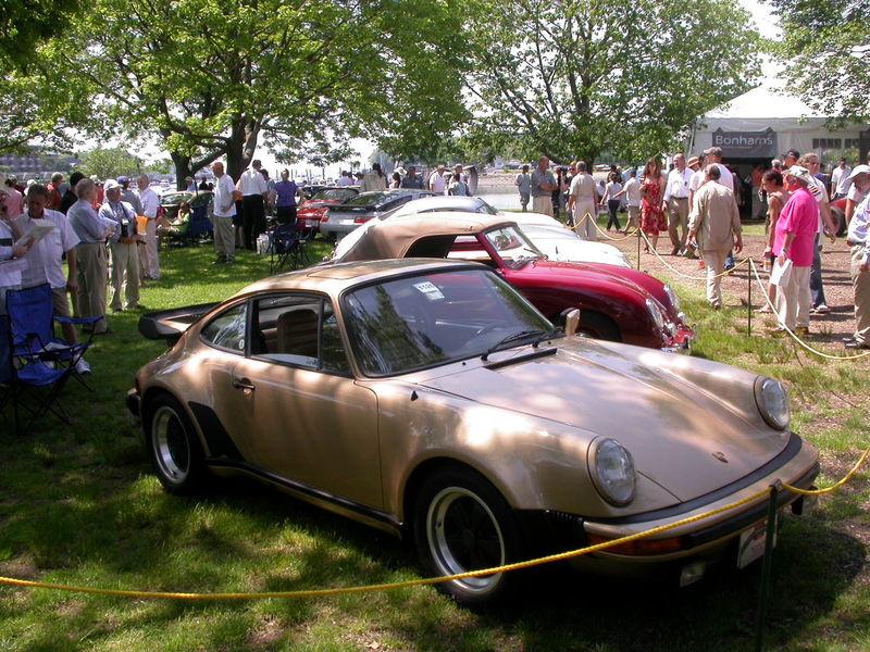 Porsche 930 w Fuchs Wheels