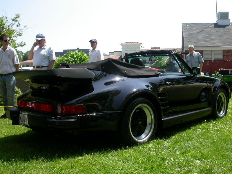 Porsche Slopenose 930 Turbo