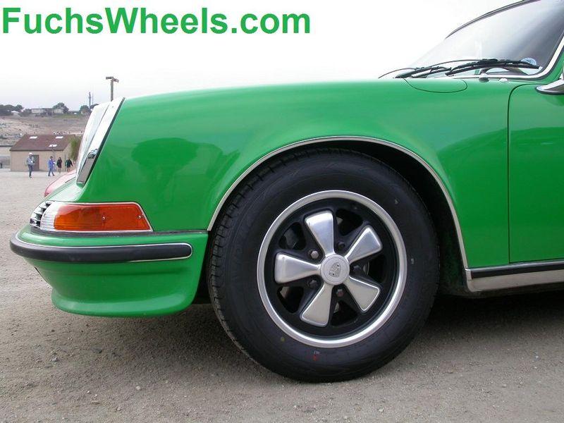 Fuchs-911-S-Porsche-Green