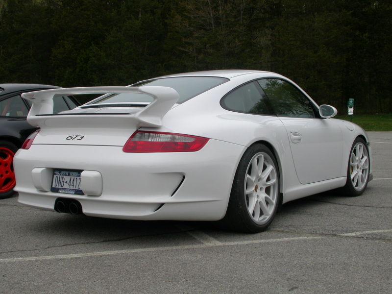 White_porsche_gt3_rs_w_white_wheels